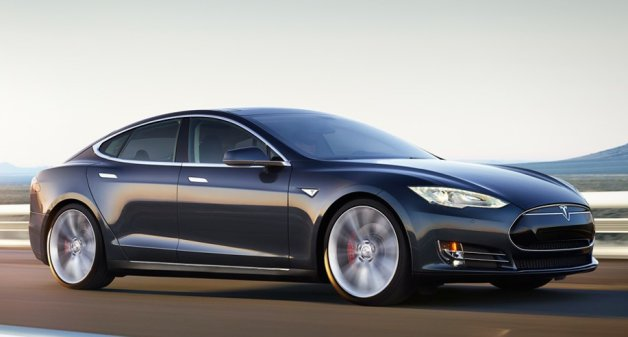 Tesla Model S P85D, źródło: justcarnews.com
